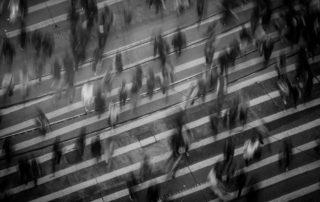 Acordar Enxergando Mal: 3 Motivos que Contribuem Para Isso