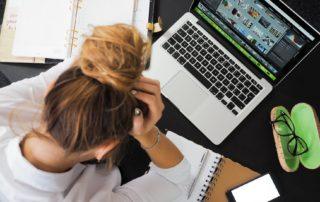 4 Sinais de Visão Sobrecarregada e Como Melhorar os Sintomas