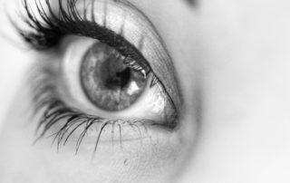 Medicamentos nos Olhos: Não Use Produtos sem Orientação Médica